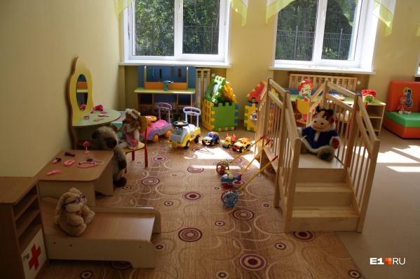 В некоторых детских садах уже включили отопление