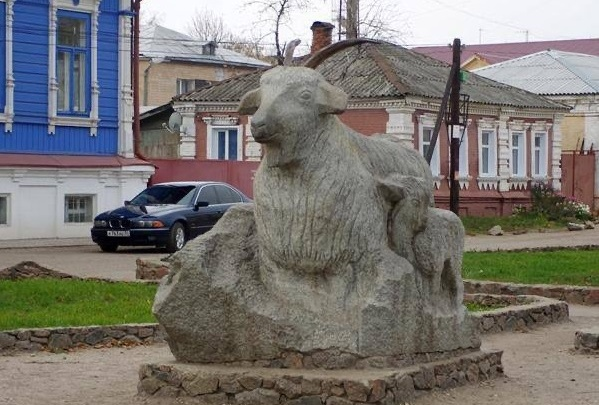 Детей вовремя вакцинировали: в Урюпинске бешеная кошка напала на людей