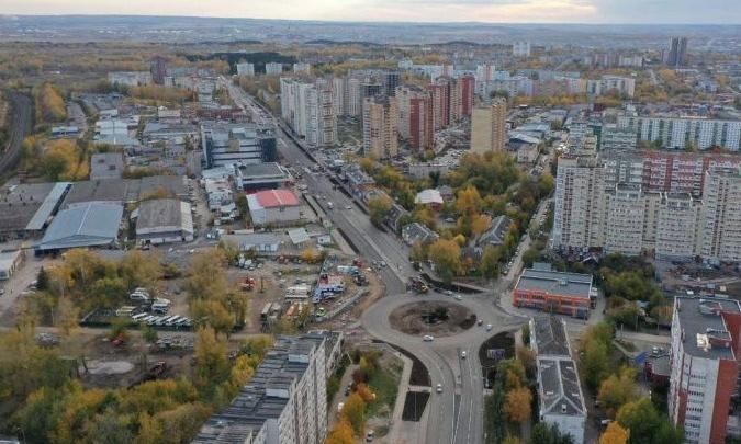 В Перми на улице Карпинского запустили движение по четырем полосам
