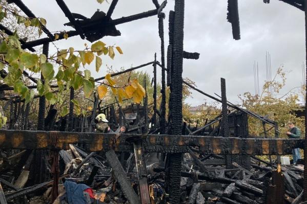 Тело женщины сильно обгорело при пожаре