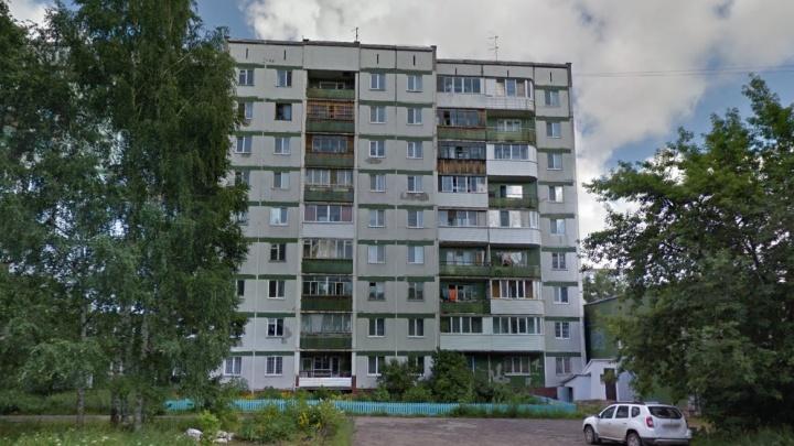 «Вода хлестала в электрощитах»: в Перми после сильного ливня затопило девятиэтажку. Видео