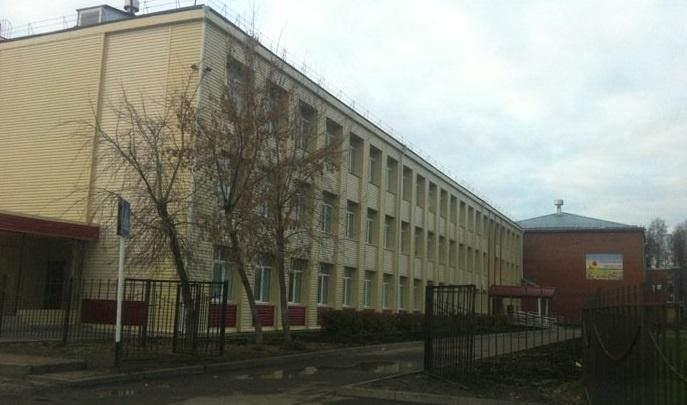 В поселке Московском под Тюменью в переполненной школе могут ввести третью смену