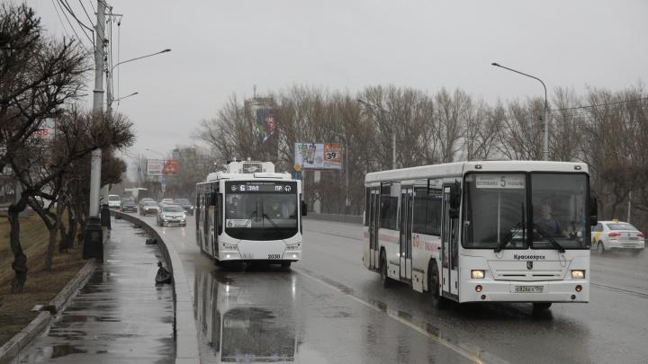 Спустя 17 лет троллейбусы вернулись на Коммунальный мост. Теперь они «на батарейках»