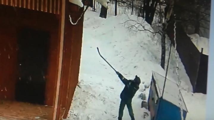 «Спешите видеть»: тутаевские коммунальщики рассмешили соцсети инновационными методами уборки снега