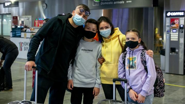 Полетели! Из Тюмени впервые за пандемию отправился международный пассажирский рейс— фоторепортаж