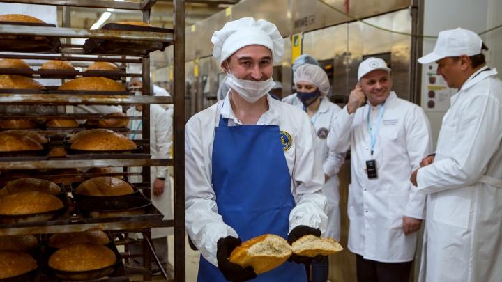 Вкусно и не как у всех: «Самарский хлебозавод № 5» показал производство хитов и новинок