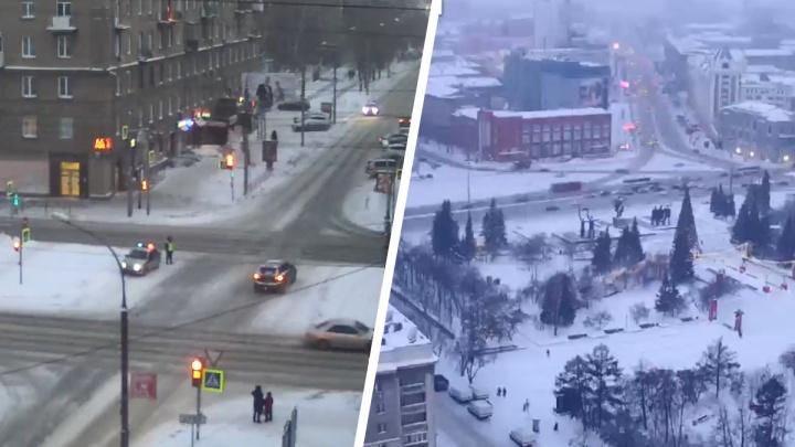 На улицах Новосибирска заметили десятки экипажей ГИБДД и автозаков