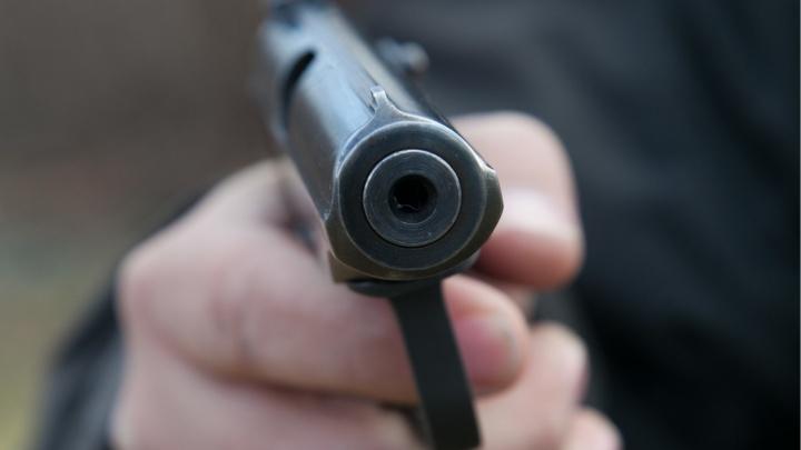 В Сургуте суд вынес приговор мужчине, который угрожал пистолетом соседке