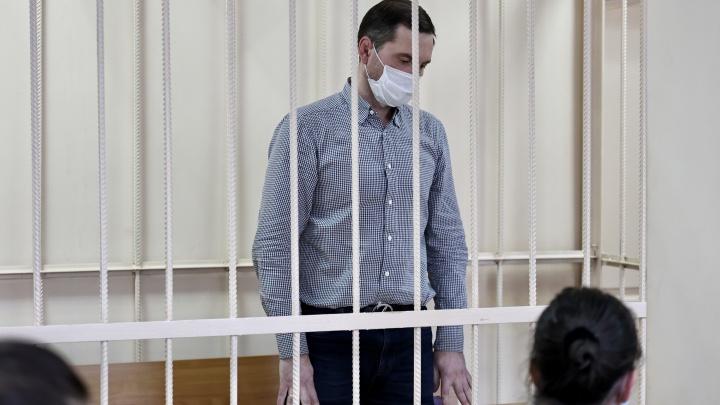 «Само обвинение абсурдно!»: суд отправил под домашний арест директора челябинского аэропорта