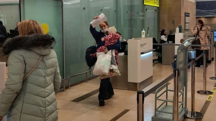 Московская семья удочерила малышку из Красноярска с серьезным диагнозом. Мама сразу полюбила ее
