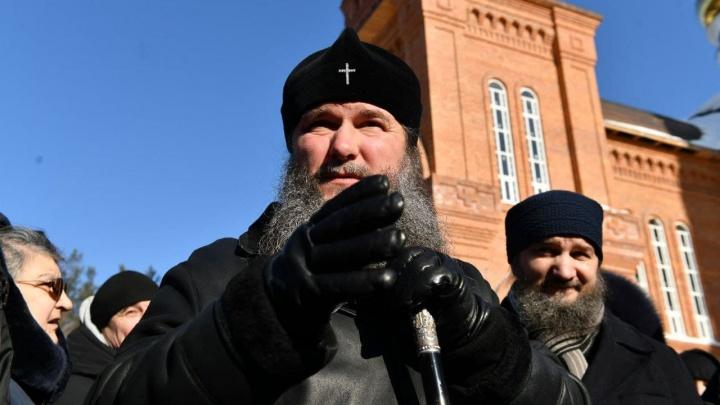 Митрополит подтвердил, что силовики ищут в монастыре подозреваемого в убийствах