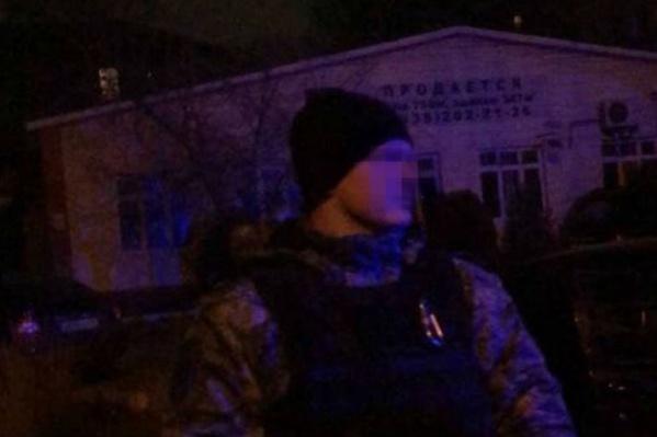 Полицейского, применившего оружие, задержали