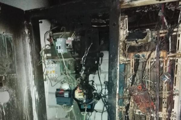 Электроснабжение восстановили, но жители боятся, что из-за воды проводка снова загорится