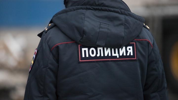 В Ростове девушка выпала из окна и погибла