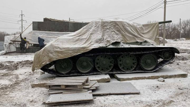 В Волгограде вернули на место танк «Челябинский колхозник»