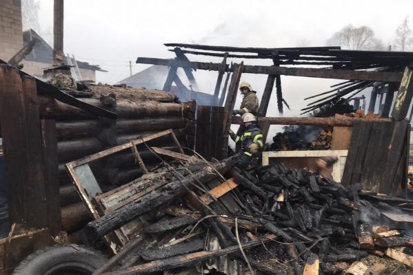 """Пожар в частном доме в Кудымкаре произошел <nobr class=""""_"""">1 мая</nobr>, в нём погибли <nobr class=""""_"""">8 человек</nobr>"""
