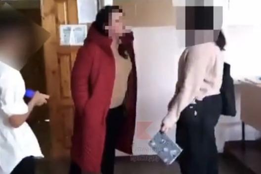 «Я тебе набью морду». В Краснодаре школьники сняли ругань учителя на видео