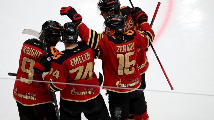 Опубликованы зарплаты всех игроков «Авангарда»: три хоккеиста получат по 60 миллионов за сезон