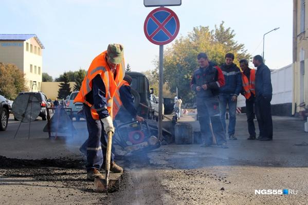 """В этом году ремонт дорог начался с <nobr class=""""_"""">1 апреля</nobr>"""