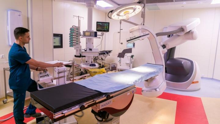 В краевой больнице прошли обыски — вот так открывали новый корпус, из-за которого весь сыр-бор
