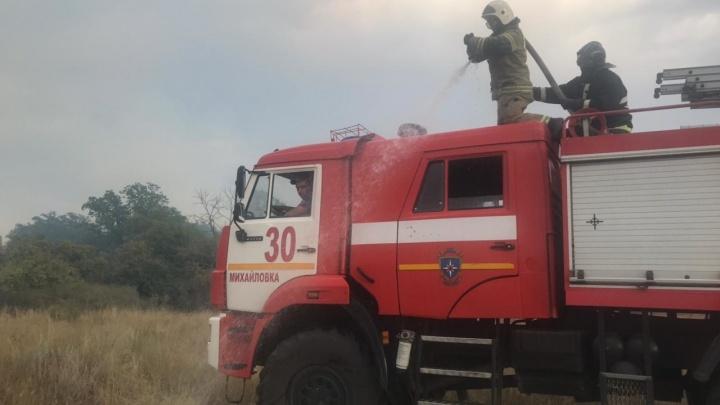Тушим вторые сутки: в Волгоградской области локализован крупный степной пожар