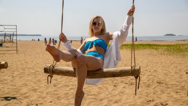 Открыли сезон: 11 кадров, что творится на пляжах Новосибирска прямо сейчас