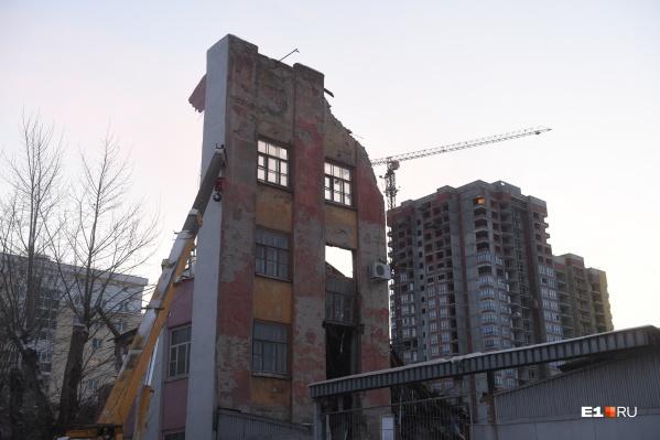 Реновация — это федеральный проект, предполагающий замену старого жилья на новое