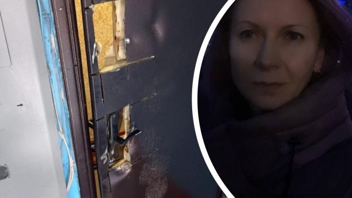 Новосибирский ОМОН по ошибке выломал дверь в квартире многодетной матери на Алтае