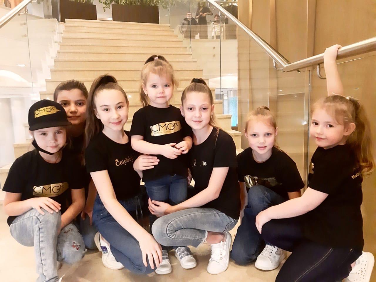 Вместе с Ксюшей в фильме снялись еще несколько девочек из Челябинска