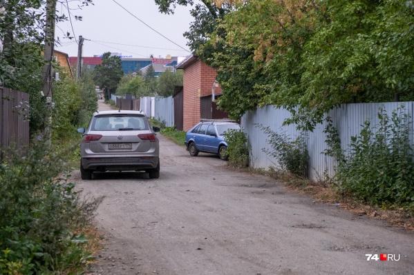 Крупная дорога, которая станет продолжением улицы Ворошилова, может уничтожить около сотни садовых участков