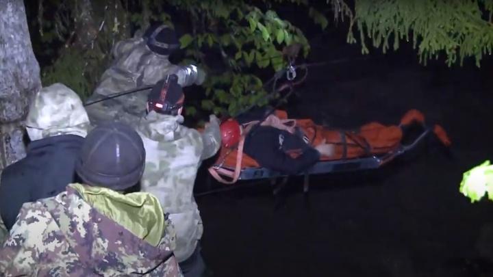 Пять километров несли по скалам: в горах Абхазии спасли туристку из Екатеринбурга