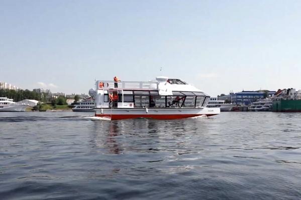 Вместимость судна без учета верхней палубы — 100 человек
