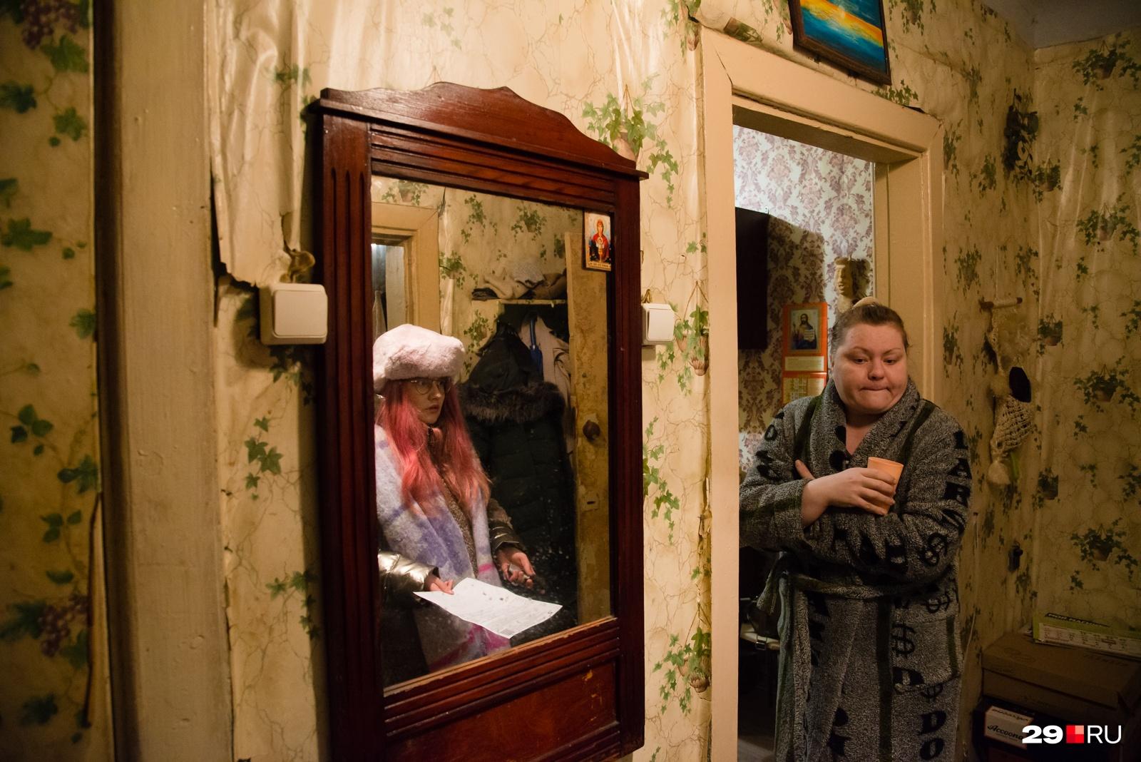 Анна говорит, что дом старый, как и все коммуникации, но раньше такого ледяного нашествия не было