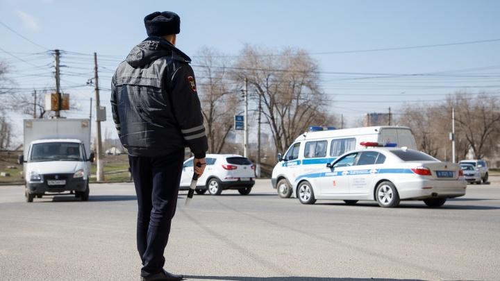 «Моральный ущерб оценили в триста тысяч»: в Волгограде автомобилист укусил полицейского