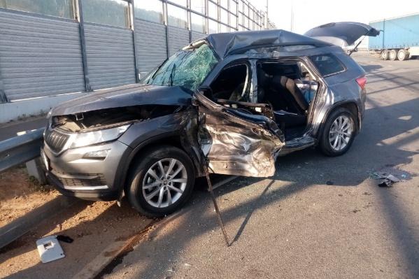 По словам знакомых участников аварии, водитель легковушки погиб