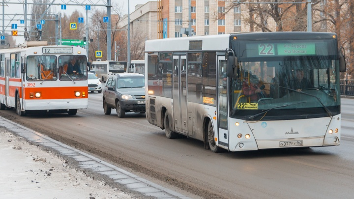 В Самаре предложили выделить полосы для общественного транспорта посредине Московского шоссе