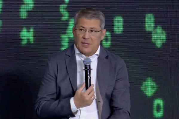 Хабиров заявил, что поддерживает этот закон