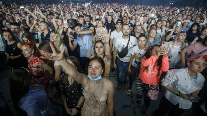 «Это их работа»: Роспотребнадзор начал проверку концерта «Руки Вверх!» в Волгограде спустя неделю