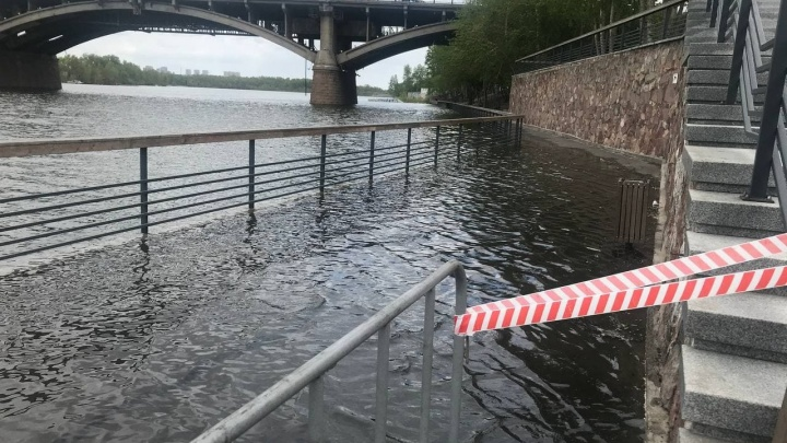 «Всё будет в пределах русла»: глава наблюдающего за Енисеем ведомства — про паводок в Красноярске