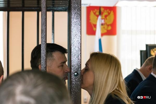 Анна Сазонова поддерживала мужа на всех заседаниях