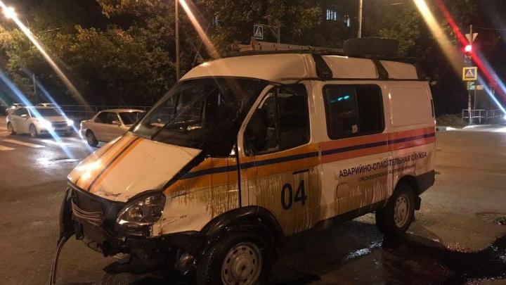 В Самаре легковушка перевернула «Газель» спасателей на перекрестке