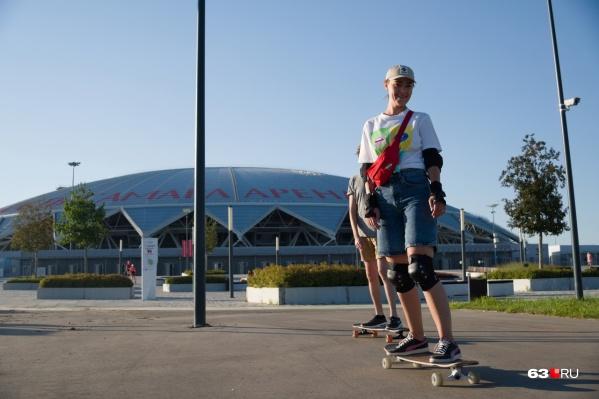 Территория около стадиона пользуется спросом у любителей активного отдыха