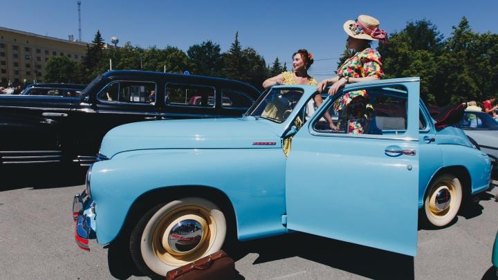 Рубились в приставку и позировали как принцессы: фестиваль ретротехники в Челябинске — в 40 фото