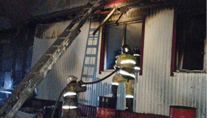 В рождественскую ночь в Башкирии произошло 10 пожаров, в одном из них погибли два человека