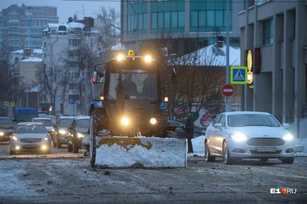 С начала года инспекторы выдали 40 предписаний об устранении нарушений по уборке улиц