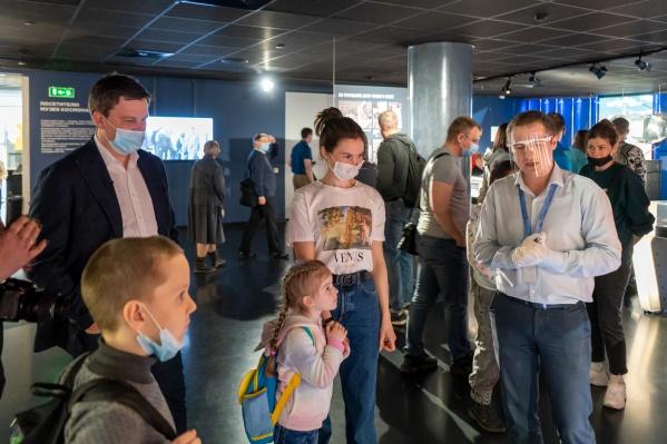 Победителями конкурса стали Арина Пролубникова, рассказавшая стихотворение про космонавта, и Артём Семин, сделавший аппликацию из пластилина