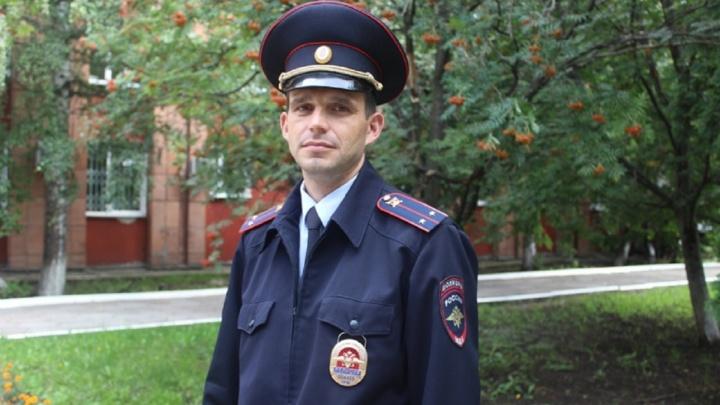 «Жизнь-то одна». Пермский полицейский рассказал, как спас мужчину на мосту через Каму