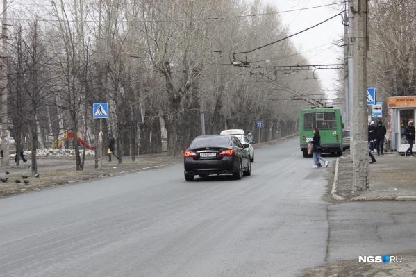 Улица Аэропорт в северной части Новосибирска