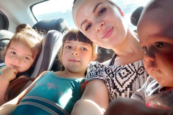 История многодетной мамы, которая хотела отказаться от дочери, но сумела найти выход из страшной ситуации