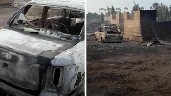 Остались только печи и скелеты машин: смотрим видео из сгоревшего поселка на юге Челябинской области